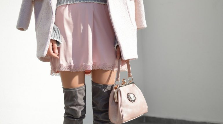 what to wear with a pink skirt